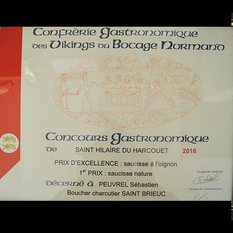 Au Fil du Couteau a reçu un prix d'excellence pour ses Saucisses à l'oignon et un 1er prix pour ses S