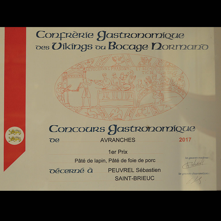 Au Fil du Couteau a reçu le 1er Prix pour son Pâté de Lapin et son Pâté de foie de porc