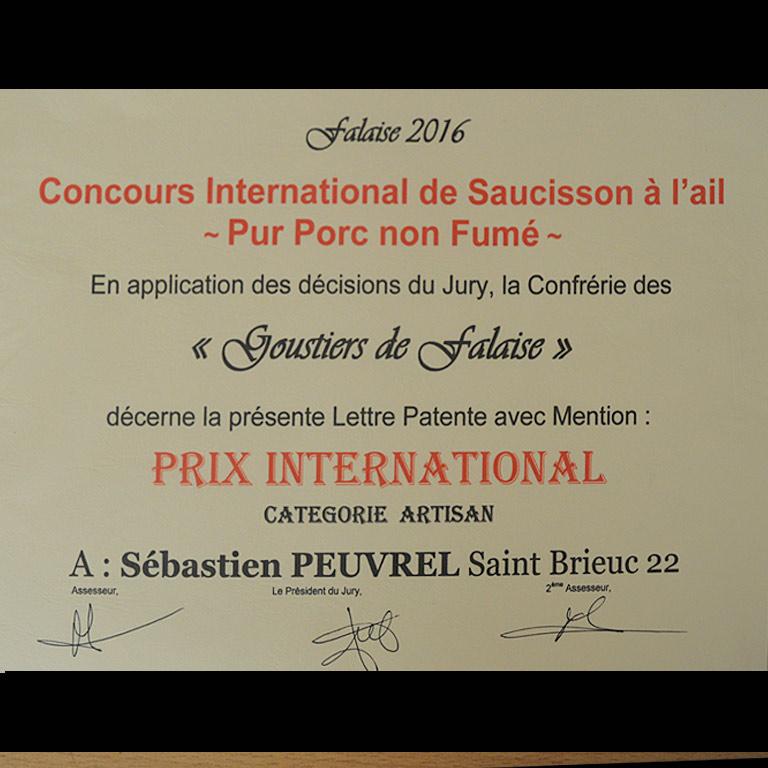 Au Fil du Couteau a reçu un prix International pour son Saucisson à l'ail