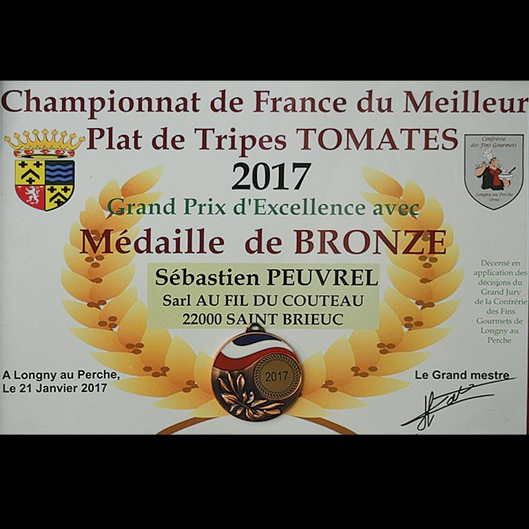 Au Fil du Couteau a reçu un Grand prix d'Excellence avec Médaille de bronze pour ses tripes à la tomate
