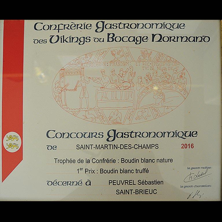 Au Fil du Couteau a reçu le trophée de la Confrérie pour son Boudin blanc