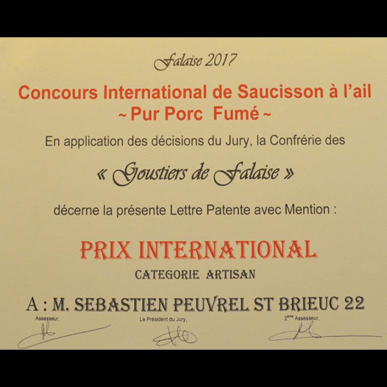 Au Fil du Couteau a reçu un  prix International pour son Saucisson à l'ail fumé