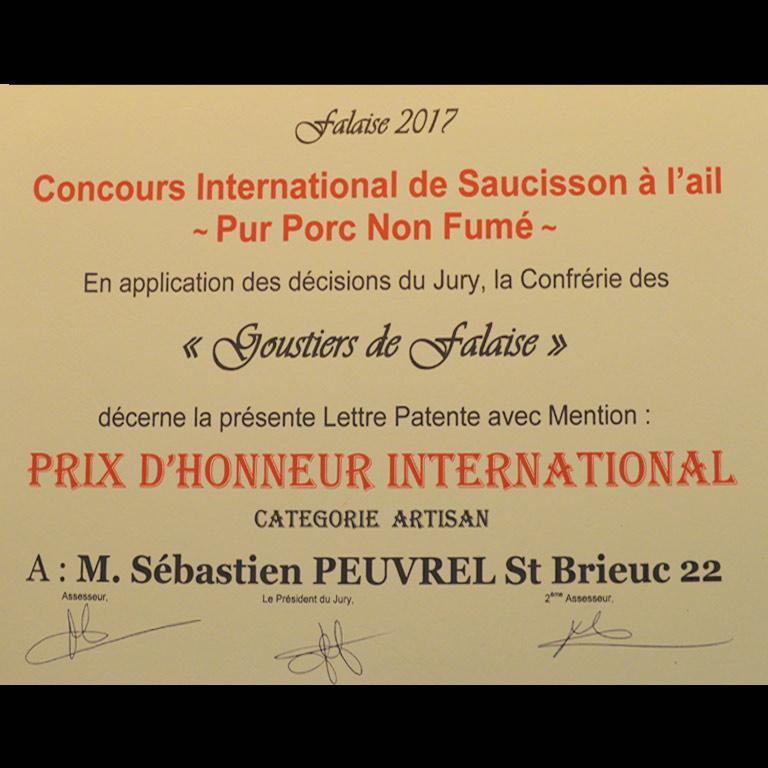 Au Fil du Couteau a reçu un  prix d'honneur International pour son Saucisson à l'ail non fumé
